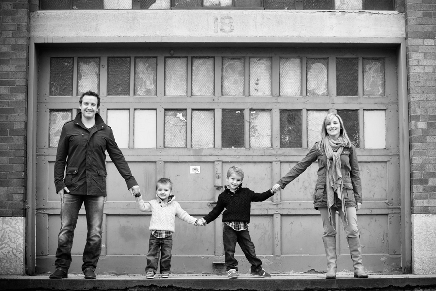 The franklin family winnipeg portrait photography jennifer lee photography